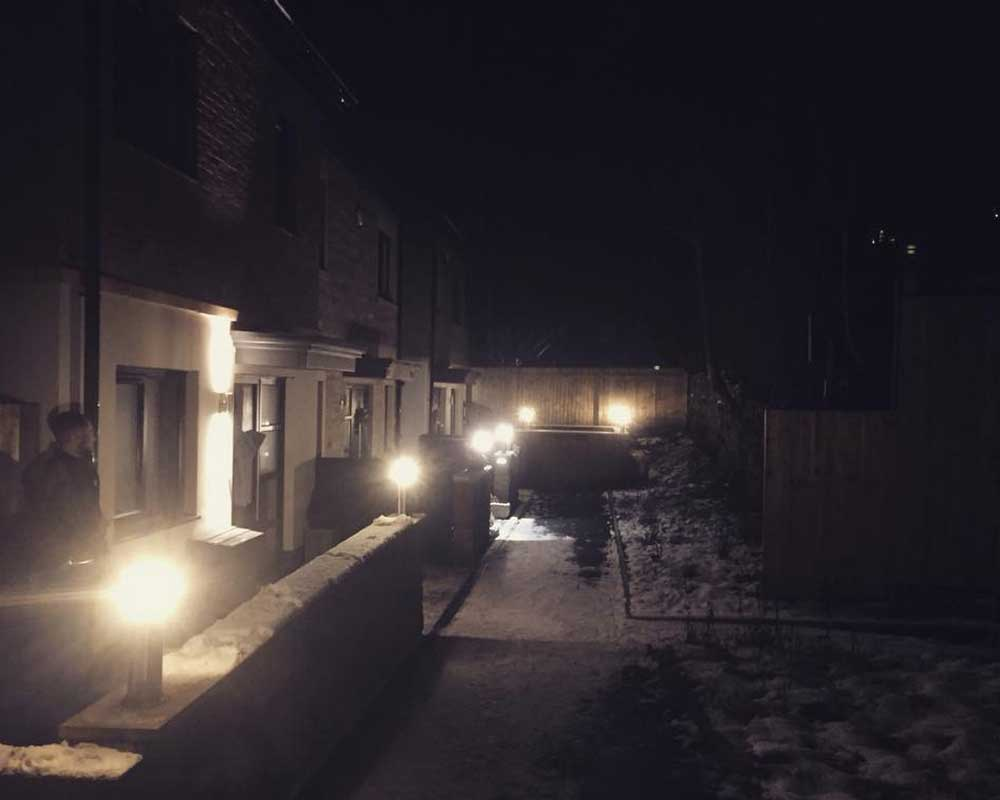 domestic electrical outdoor light installation